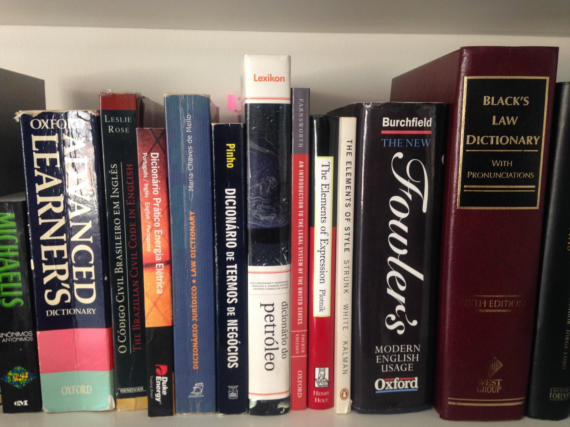 foto dicionários
